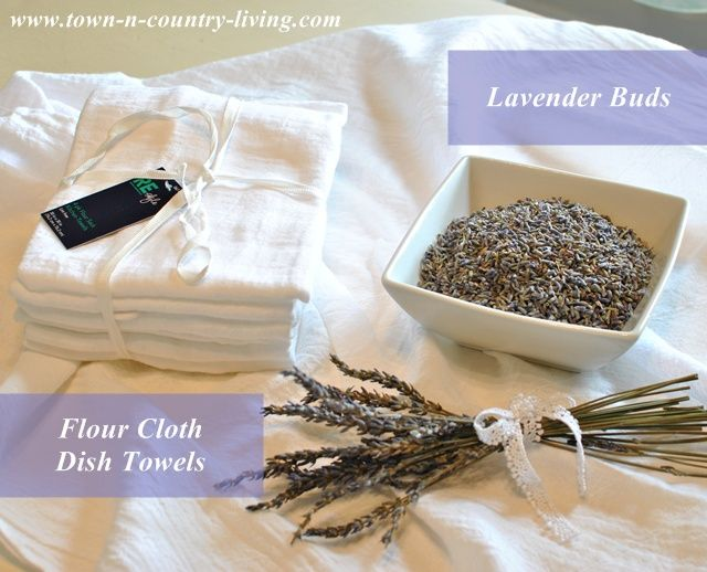 DIY Lavender Sachets ~ pretty little sachets to tuck in your drawers or wherever you want to leave the sweet scent of lavender.