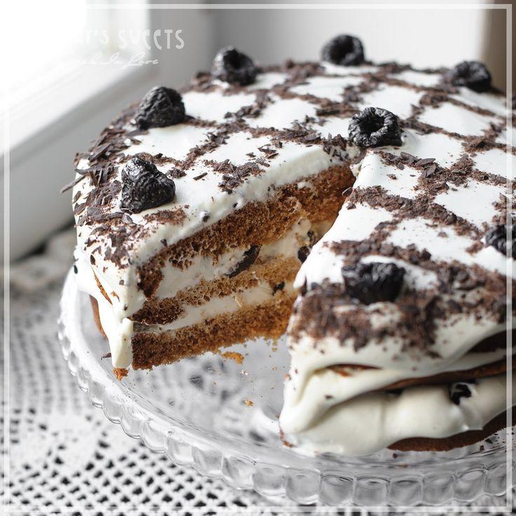 Медовый торт с черносливом