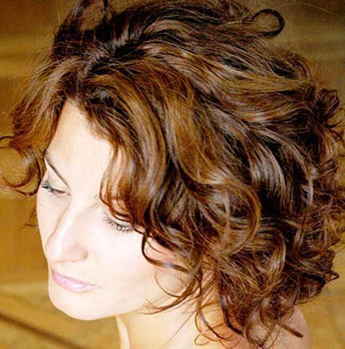 16. Curly Bob Hairstyle