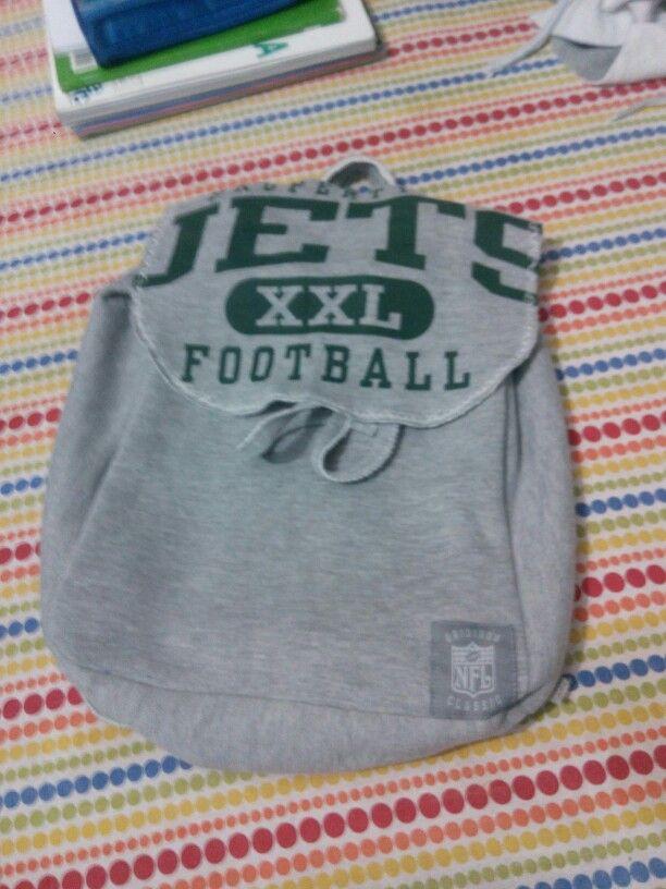 Sweatshirt revamp bagpack  #sweatshirt #upcycle #bagpack