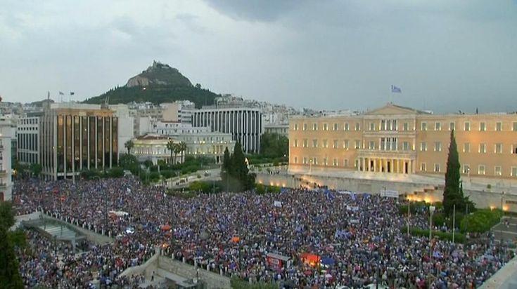 Il video della manifestazione di ieri ad Atene a sostegno del sì al referendum. http://intern.az/1oIM