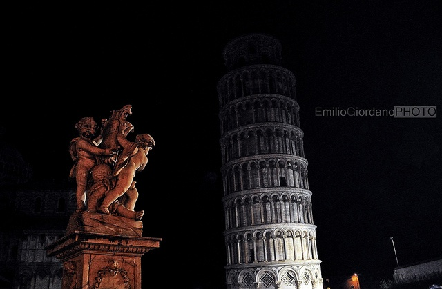 Gli angeli e la torre, via Flickr.