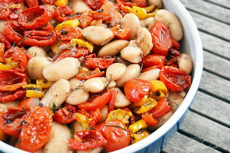 Fagioli Wrzawa caldi con Olio al Pomodoro, Pomodorini e Peperoni Confit