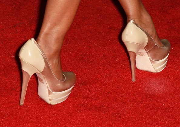 """Elise Neal Photos Photos - Actress Elise Neal (shoe detail) attends Cash Money Records' Lil Wayne album release party for """"Tha Carter IV"""" at Boulevard3 on August 28, 2011 in Los Angeles, California. - Cash Money Records' Lil Wayne Album Release Party For """"Tha Carter IV"""""""
