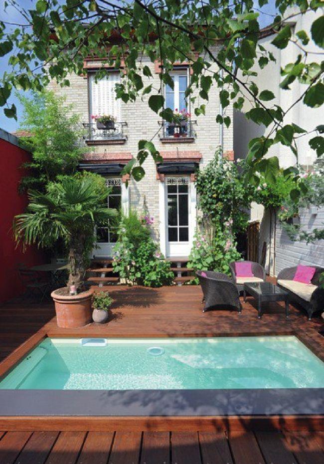 Cet hiver, on profite de son jardin grâce aux Piscines Caron ! Maison meulière et mini piscine colorée = crush ! - @decocrush - www.decocrush.fr