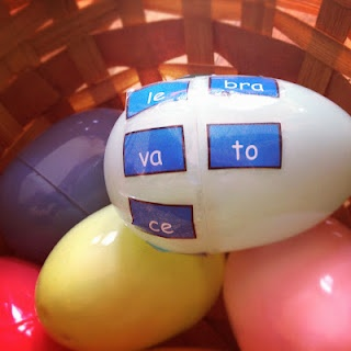 "A ""huevogram"". What a great idea! Twist the egg so that the words line up correctly or make silly words and draw them. Like what do you get when you cross a ""vaca"" and a ""gato""? A ""vato"". Now draw it!"
