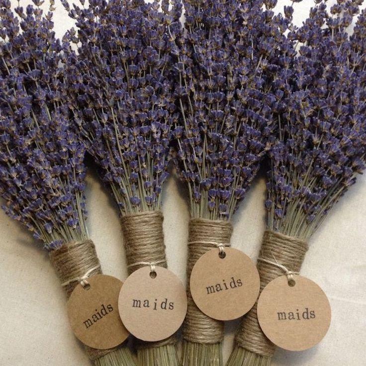 décoration de mariage de style champêtre- bouquets de lavande romantiques