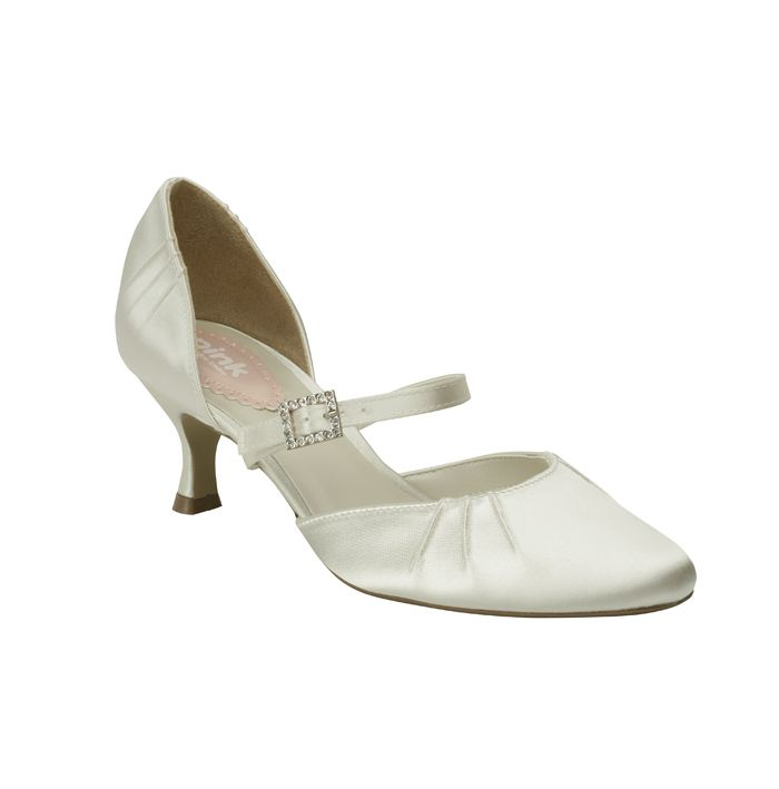 A classic closed tow, mid heel bridal style. http://www.ivorysoul.com.au/shop/product.php?productid=17605&cat=&page=1