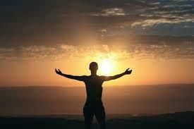 Parole de feu  « Ceux qui veulent bien commencer leur vie doivent s'y prendre comme quand on trace un cercle. Si l'on a bien mis le centre du cercle où il faut, le tracé de la circonférence sera juste. Ce qui veut dire que l'homme doit d'abord apprendre à ancrer solidement son cœur en Dieu, et la qualité de toutes ses œuvre suivra. » Maître Eckhart