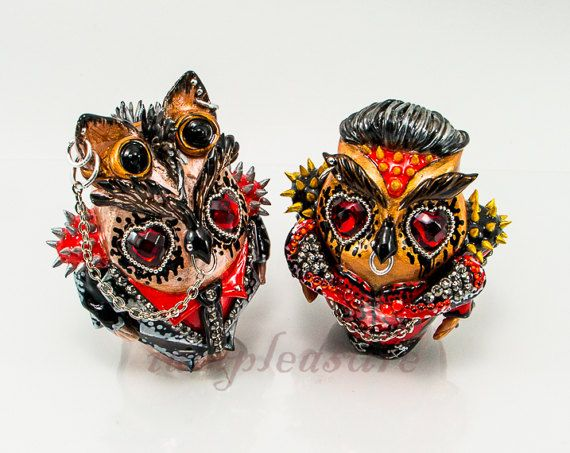 I am pleased to present you the various styles of the weddings creations which all of my can be cake topper and they are completely handmade. I intend to create these cake topper collections in various styles for matching up to individual life style. Owl bride and groom made from polymer
