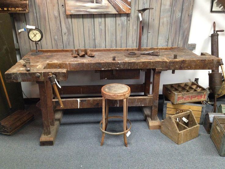 Old German Workbench. Reference URL -- http://www.badgerwoodworks.com/2012/05/old-german-workbench/