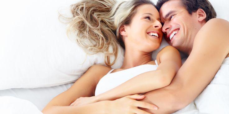 Recém-casados ....Expectativa vs Realidade (GIFs)  A gente não vê a hora de morar juntos com o amor da nossa vida!Mas lá no fundo qualquer casal sabe que a vida de casadosnão é sempre um arco-íris. Além dos desafios do dia a dia, tem aquelas prom…