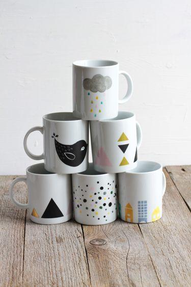 Mug en porcelaine et feutre = zou à la cuisson. Un DIY très simple pour les vacances qui approchent !