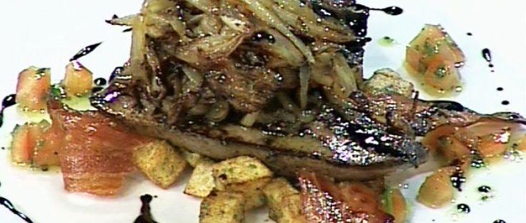 Hígado de ternera con cebollas y balsámico