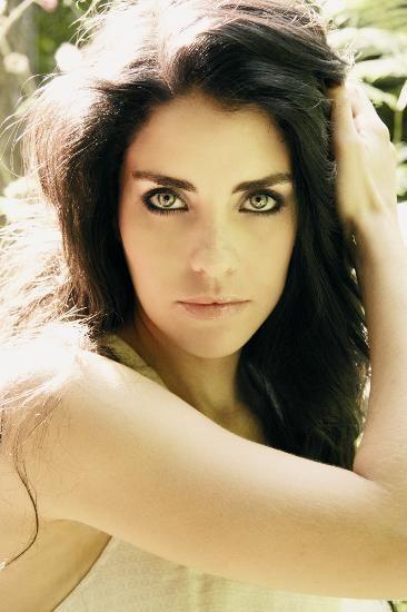 Turkish Actress: Aslı Tandogan
