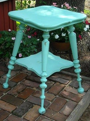 this table is adorable!