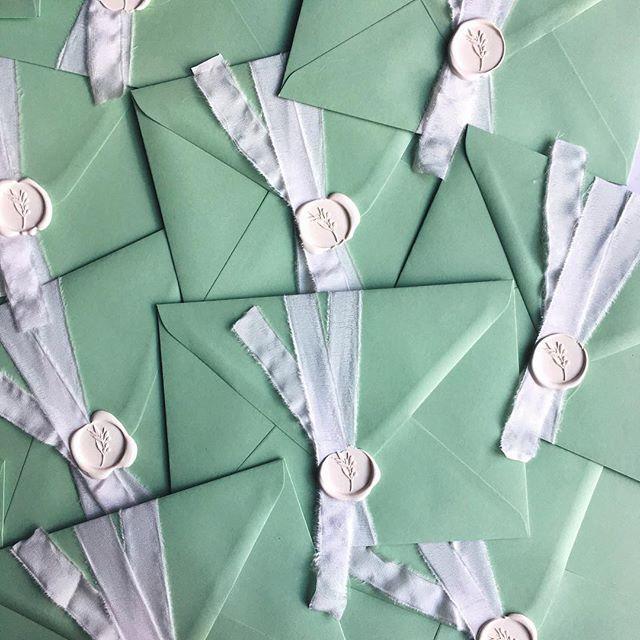 © PAPIRA invitatii de nunta personalizate // A soft and dreamy order. #papiradesign #papirainvitations #invitatiidenunta #invitatiinunta