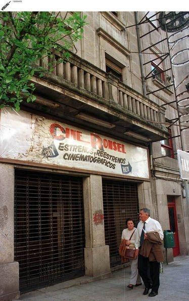 Cine Ronsel, Calle Ecuador