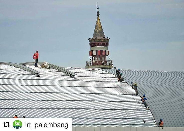 #Repost @lrt_palembang (@get_repost)  Progres pemasangan layer terakhir di atap stasiun LRT Ampera Palembang.  Photo by @itsreivo  #palembang #LRT #LRTsumsel #LRTproject #LRTpalembang #construction #lightrail #roadtoasiangames2018
