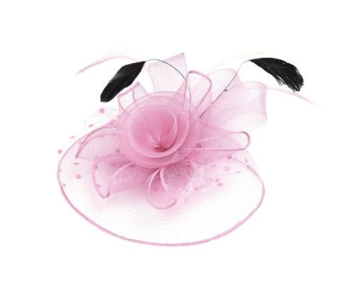 BABY-PINK-PALE-PINK-FASCINATOR-ON-HAIRCLIP