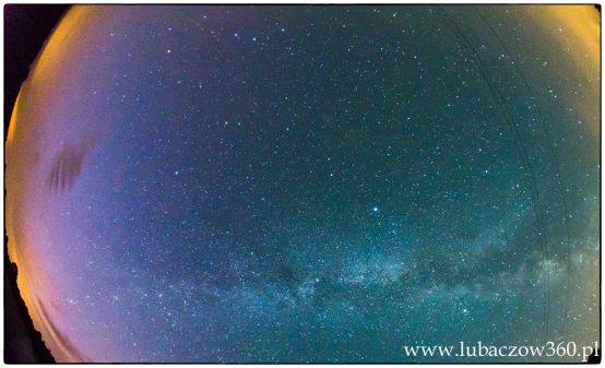 Zorza polarna w podkarpackim - okolice Lubaczowa. northern lights   aurora   aurora borealis   southern lights   aurora australis #ŻyciePodkarpackie #polska #poland #lubaczów #tomaszmielnik