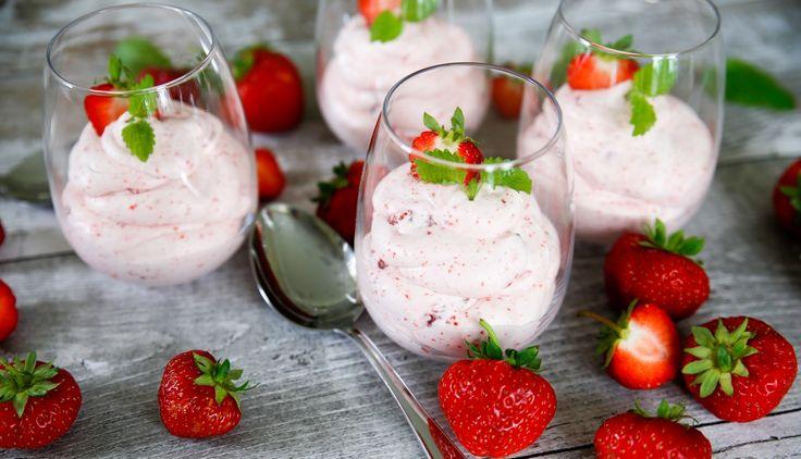 Enkel och underbart god jordgubbsmousse!