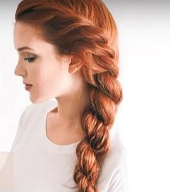 The 2 minute rope braid hairstyle is so elegant and quick. You only need a few things to create this beautiful look. What do you think?