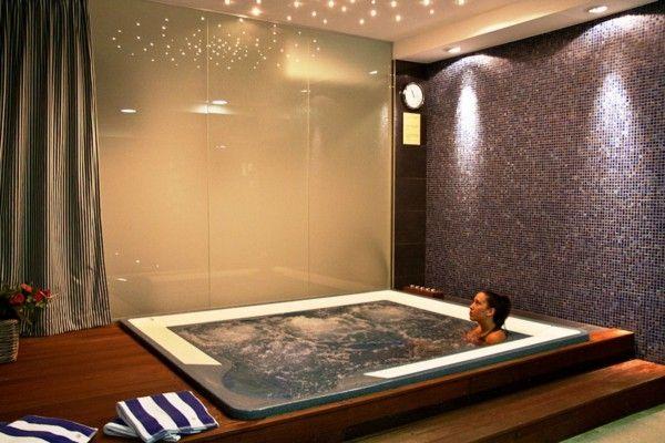90 best spas jacuzzi en int rieur images on pinterest spa spas and jacuzzi. Black Bedroom Furniture Sets. Home Design Ideas