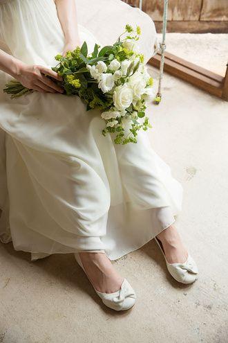 オンブル(ombre) リボンモチーフのバレエシューズは、とても柔らかいラムレザーで足にやさしくフィットします。