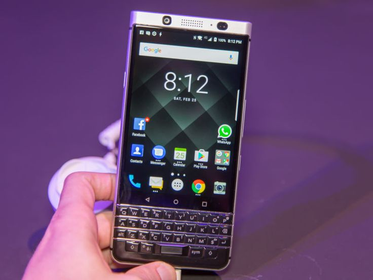 BlackBerry sues Facebook arguing it owns basic messaging concepts