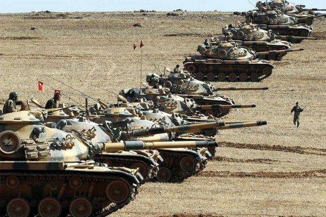 """Pasukan Turki Sudah Masuk ke Suriah Lewat Operasi """"Dar'ul Furoot"""" Assad Kebakaran Jenggot  [portalpiyungan.com] Apa yang diprediksi oleh salah satu lembaga analisa politik dan militer Amerika beberapa bulan lalu terbukti sudah. Beberapa bulan lalu diprediksi setelah bulan Juli 2016 Turki akan mengerahkan kekuatan militer ke Syria. Dan operasi militer bersandi """"Dar'ul Furoot"""" bertepatan dengan perang """"Marj Dabiq"""" yang dilakukan Sulthon Salim I terhadap Daulah Mamalik di Mesir dan Syam dengan…"""