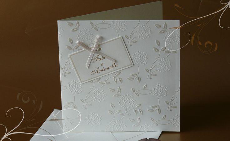 Partecipazioni di Nozze, Inviti di Matrimonio. Decorazioni in perla.