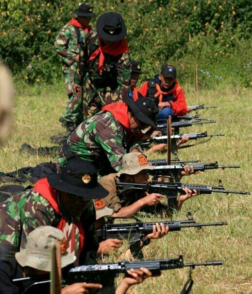 SS2 - Riffle. WANADRI Basic Training (PDW) 2008 - Bayu Windu and Srikandi Silva - PUSDIKPASUS - Indonesian Special Forces Training Center.