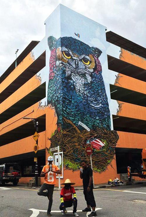 Owl graffiti mural by Escapeva.