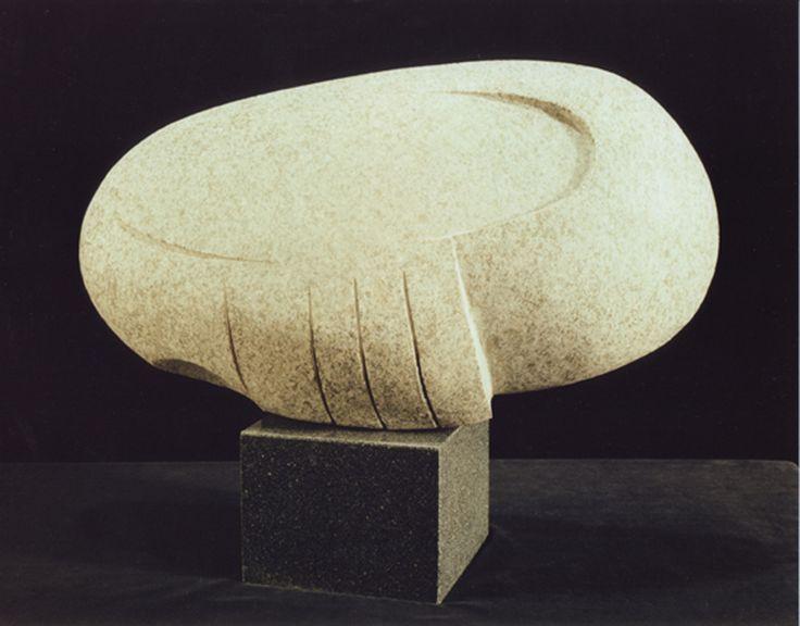"""JANUSZ CZUMACZENKO """"Zamyślony"""", granit"""