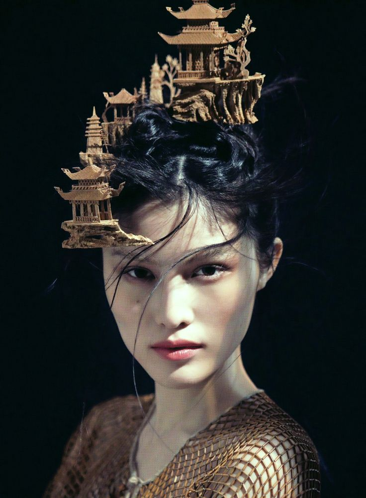 Beyond The Horizon, Sui He photographed by Chen Man for Muse Fall 2012.