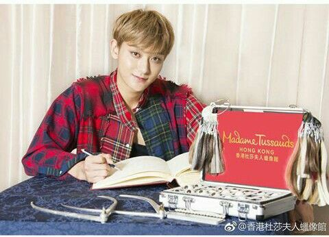 Waiting for Tao Statue
