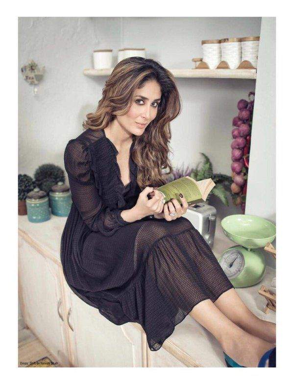 #StyleDiaries #KareenaKapoorkhan posing for #filmfare magazine..looks adorably cute..perfect .