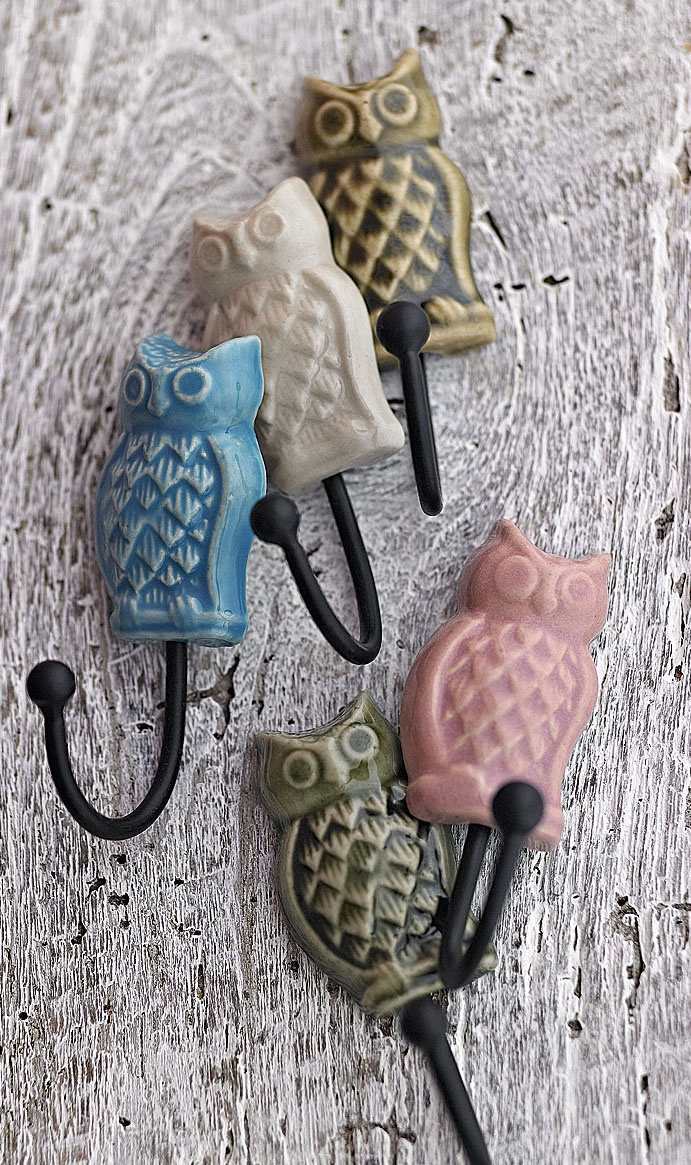 hooks - and I have one of these ! Stephanie @ www.elephantinmyhandbag.com - Fabric, Ribbon and other Scrummy Whatnots x