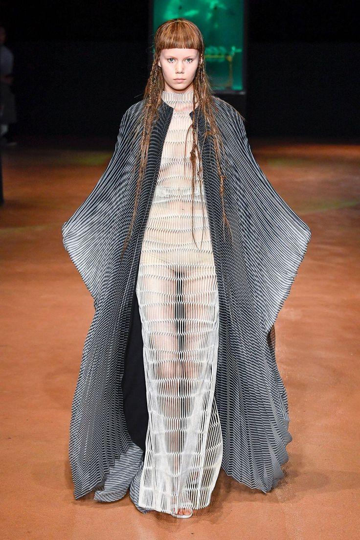 Défilé Iris Van Herpen Haute couture automne-hiver 2017-2018 5