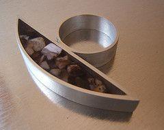 ANILLO PLATA Y RESINA TRANSPARENTE CON insertos DE PIEDRA NATURAL (ruiz vania) Etiquetas: anillo de la joyería hecha a mano de plata de plata de diseño vania joya ruiz anillo piedra joyas orfebreria resina