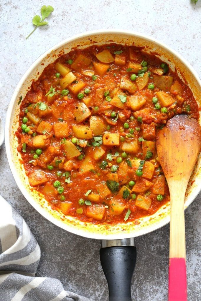 Aloo Matar Przepis Na Dania Indyjskie Indian Potato Recipes Potato Curry Potato And Pea Curry