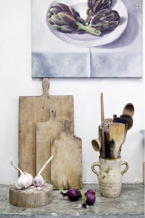 (via a beautiful house in lombardy, italy | the style files) Essencial things for the kitchen in wood... <3 it