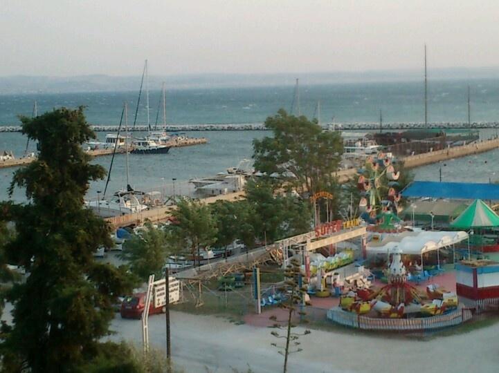 Kalamaria, Thessaloniki. Harbor on a windy day...