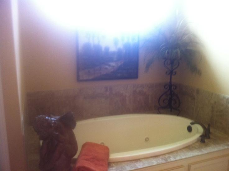 garden tub decor