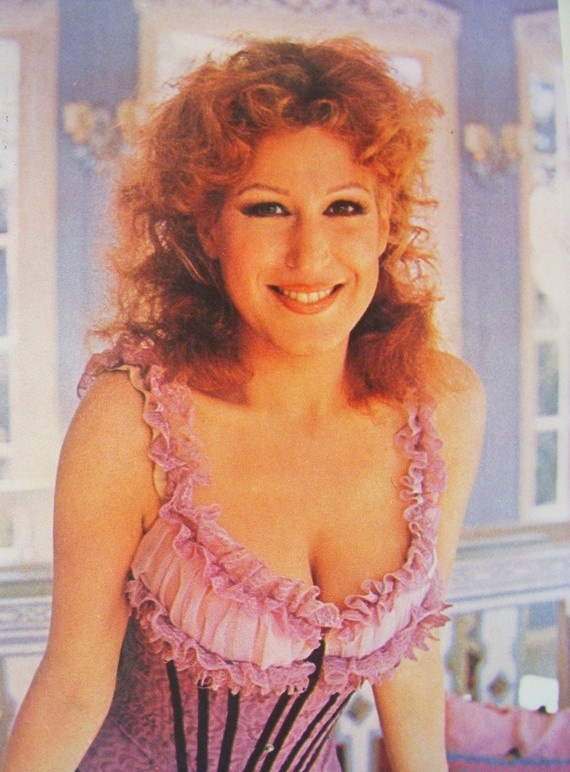 a50dd03670e37016ef7c8083fa20b587 bette midler famous women 73 best ~the divine miss m~ images on pinterest bette midler, the