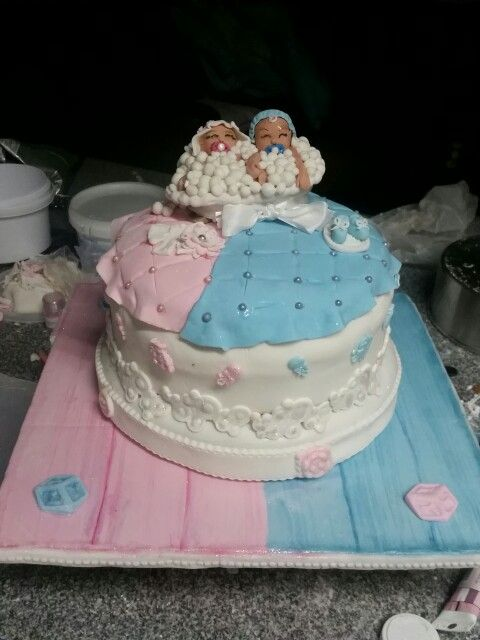Cavell Steenkamp Divalicious creations - My latest baby shower cake for a boy and girl party of two neighbours