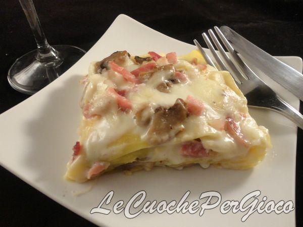 Lasagne speck, scamorza e funghi