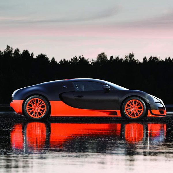 Veyron 16.4 Super Sport ... I wish they had this color scheme on need for speed!