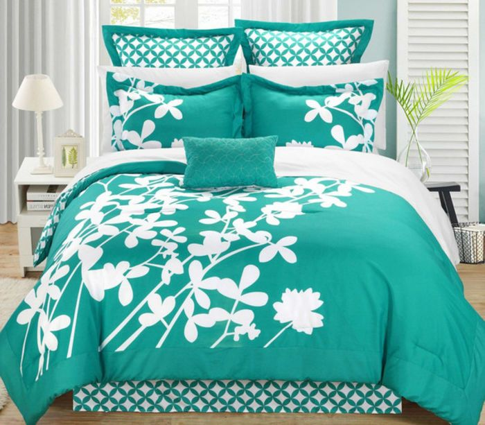 Great Furniture Deals | King size Turquoise 7-Piece Floral Bed in a Bag Comforter Set